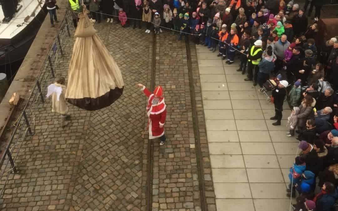 Der Schwimmende Nikolausmarkt legt wieder an